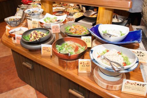 『元気になる農場レストラン モクモク』朝食ブッフェ(サラダ)